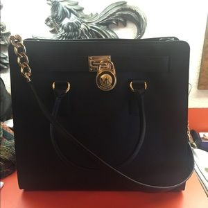 706daa2ffe8d Women Discontinued Michael Kors Handbags on Poshmark
